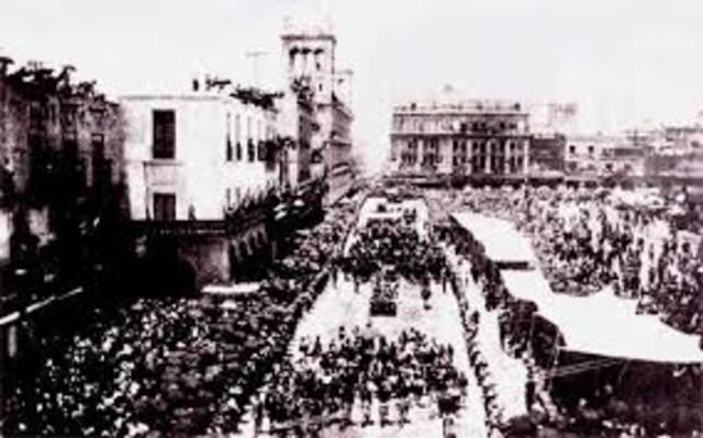 Carranza llega a la Ciudad de México.