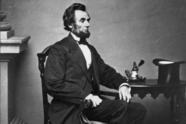 Lincoln gave orders to have a telegraph directly in the War Department Building.