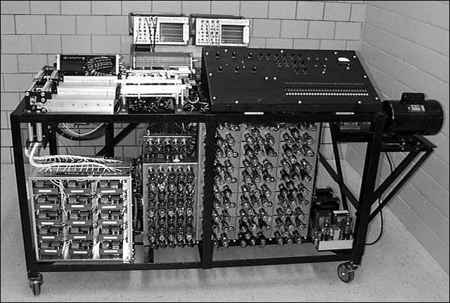 Prototipo de máquina electrónica.