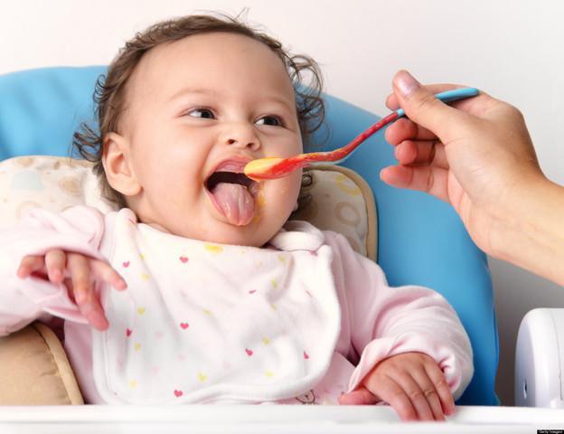 ¿Cómo enseñamos a comer al niño?