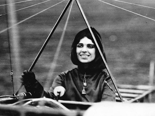 Harriet Quimby: First Woman in United States to Earn Pilot License