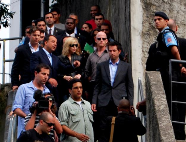 Madonna visita UPP Santa Marta
