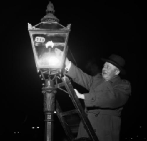 Freidrich Winzor patents gas lighting