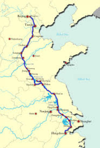 China begins work on the Grand Canal.