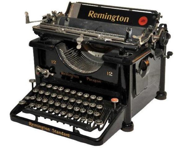 Primera máquina de escribir industrial