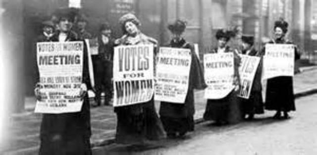 19th Ammendment Ratified, Women can vote!