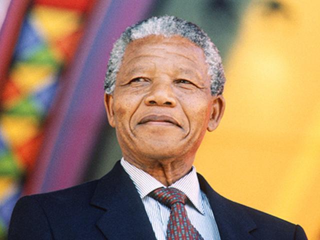 Nació Nelson Mandela