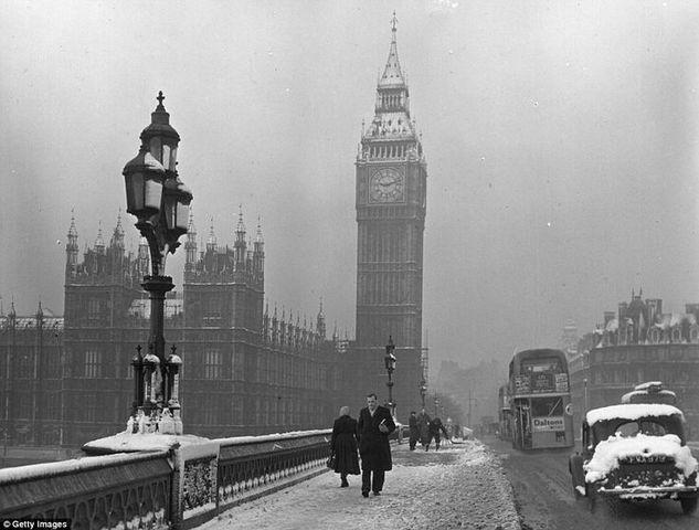 El Primer Congreso Internacional de Organismos Nacionales de Turismo reunidos en Londres,