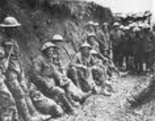 Portugal entra na Primeira Guerra Mundial com um contingente de 35 mil soldados.