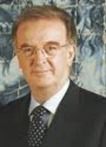 Jorge Sampaio é eleito presidente da República