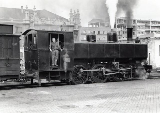 Jacob M.R. gana el control para construr la primera linea de ferrocarril de Paris a Valencia.