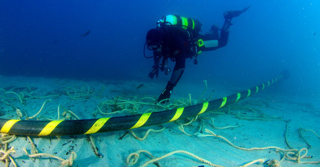Conexion a cables submarinos