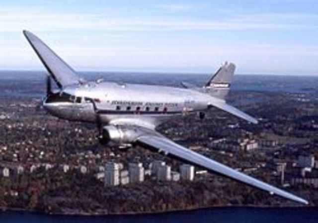 Primer Avion Comercial (Transporte)