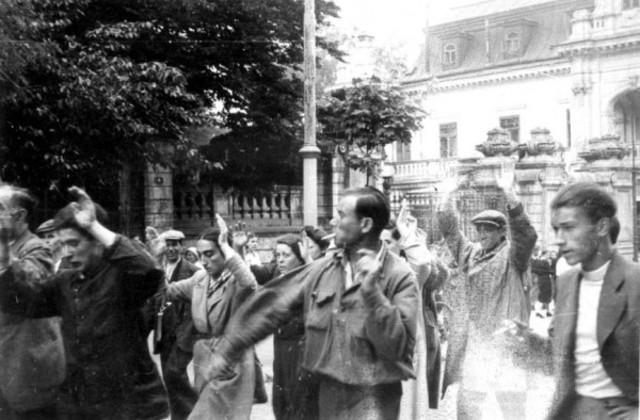 Agentes de Rothscild comenzaron en Rusia una serie de pogroms.