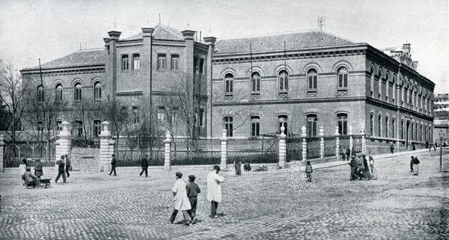 Primera Escuela de veterinaria en España
