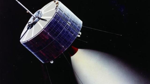 NASA launches Syncom 3