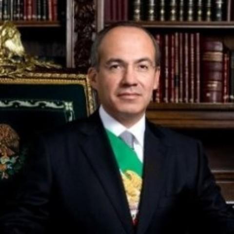 Asume la presidencia de la República Mexicana Felipe Calderón Hinojosa