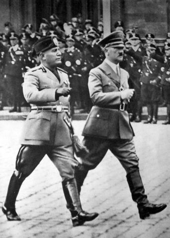 Mussolini takes over Italy's Goverment