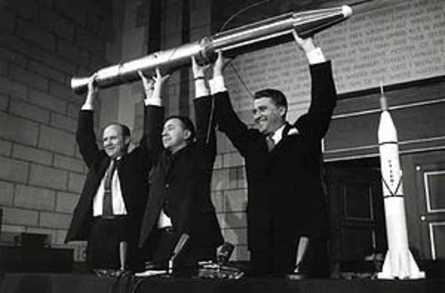 Primer viaje del lanzamiento del satelite