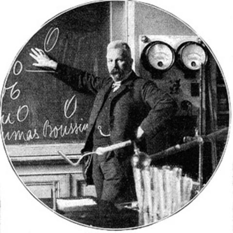 Edward Buchner demostro la existencia de las enzimas.