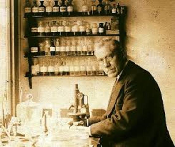 Martinus Willem Beijerinck define el concepto de virus