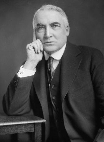 Warren G.Harding is elected president.