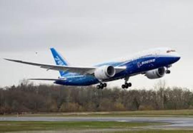 Pimer avion comercial Fabricado