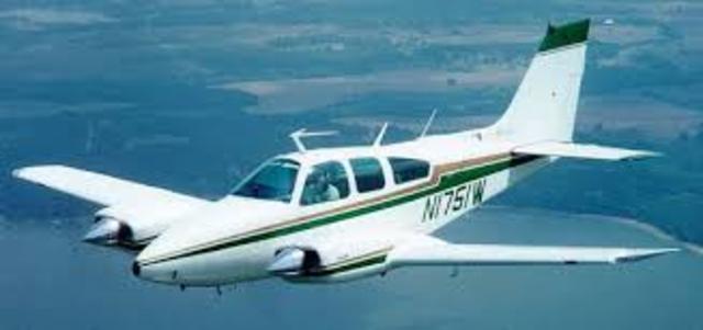 SCADTA ,adquiere aviones tipo bimotor