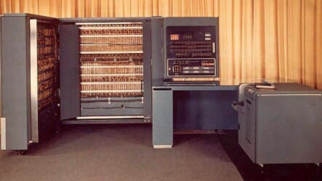 Computadora digital, la IBM 701