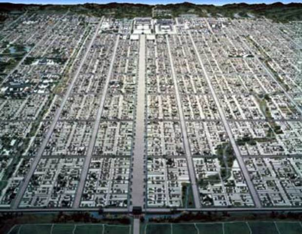 Started building the city of Nara to move the capital city
