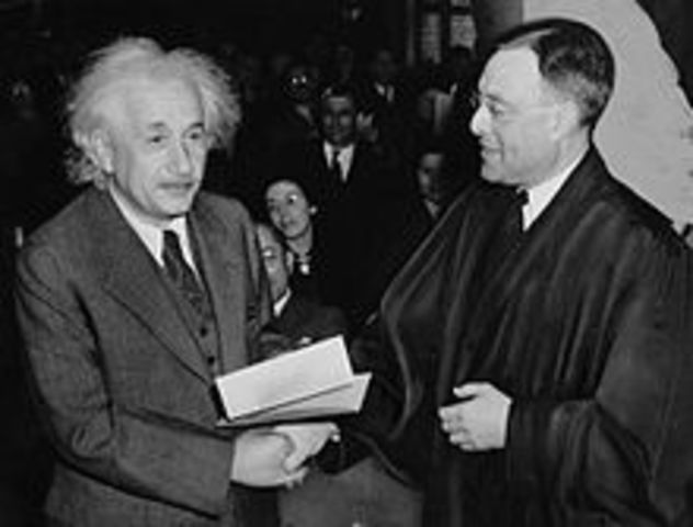 "Einstein's letter to FDR ""The Manhattan Project"""