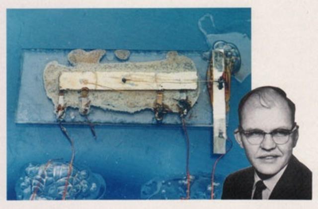 Démonstration du premier circuit intégré crée par Texas Instruments.