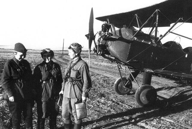 """""""Night Witches"""" - 588th Night Bomber Regiment"""
