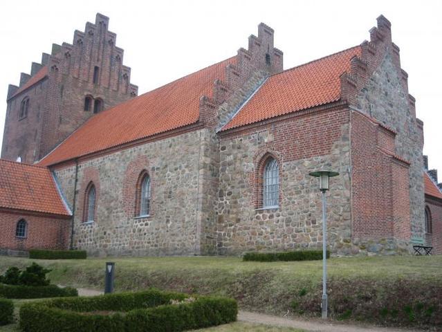 1250 - kirkebygning