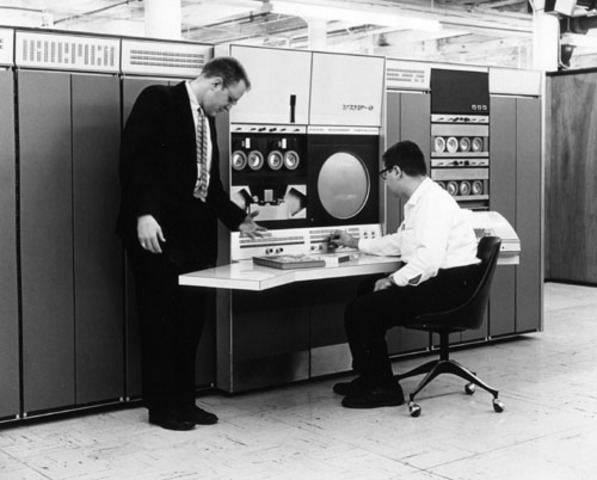 Mainframe PDP-6 Introduced