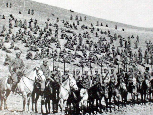An Armenian Republic is formed