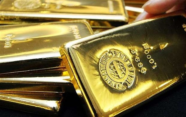 The United Kingdom abandons the gold standard.