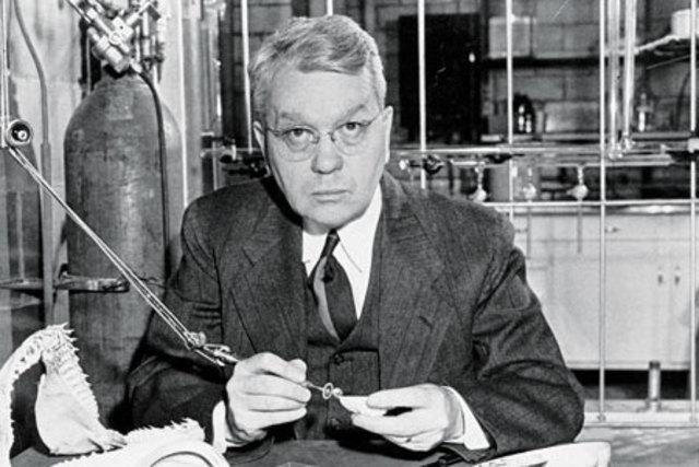 Deuterium is discovered by chemist Harold Clayton Urey.