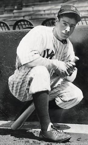 Joe DiMaggio joins the MLB.