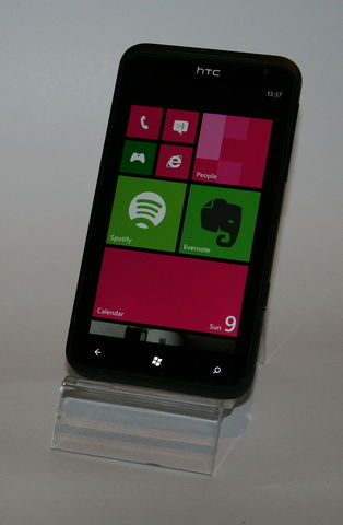 Microsoft Windows Phone 7 is released to manufacturing