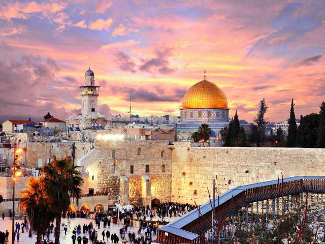 Arab People Conquer Jerusalem