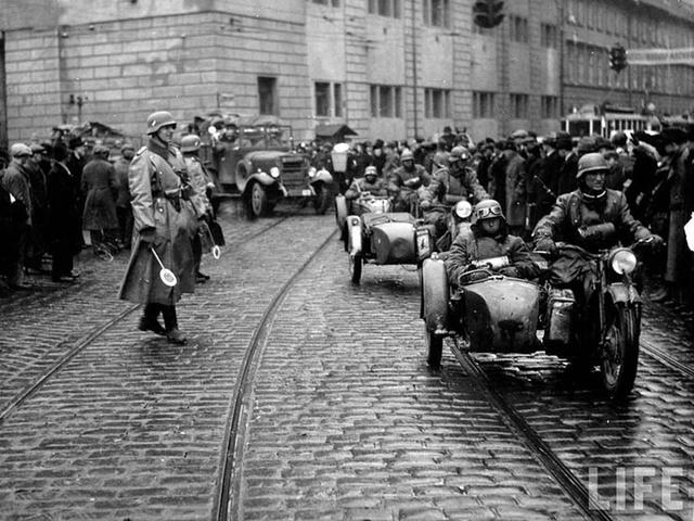 Nazis take Czechoslovakia