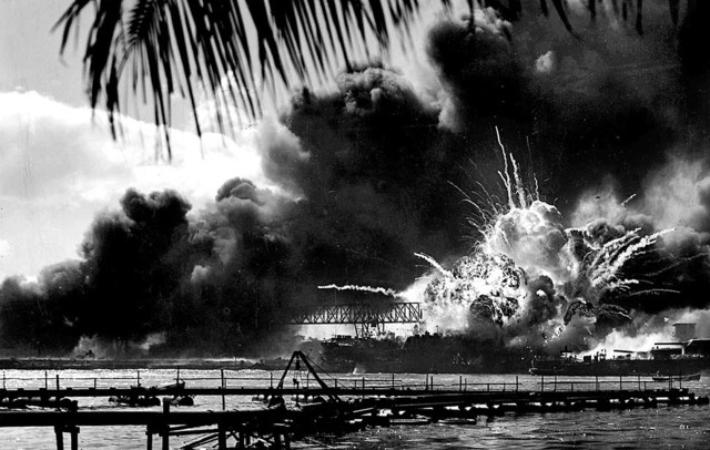 Japanese bomb Pearl Harbour