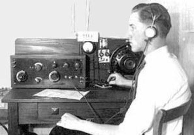 COMUNNICACIÓN POR RADIO