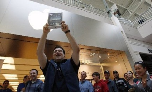 Apple reports they have sold 3 million iPads in the 80 days after launch.