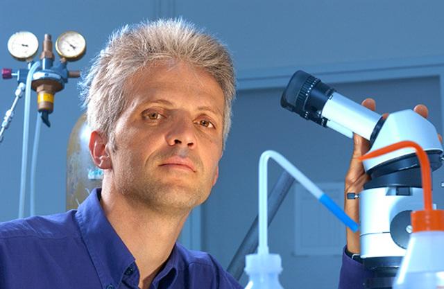 Соединение углеродной трубки с ДНК