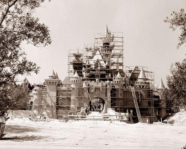 DisneyLand In Construction Live