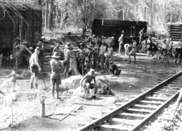 Thai-Burma railway joins onto existing Moulmein-Ye line