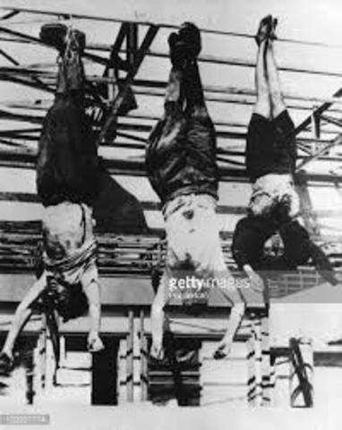 Mussolini est capturé et executé