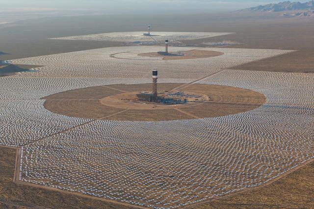 Ivanpah- The World's Largest Solar Farm Opens